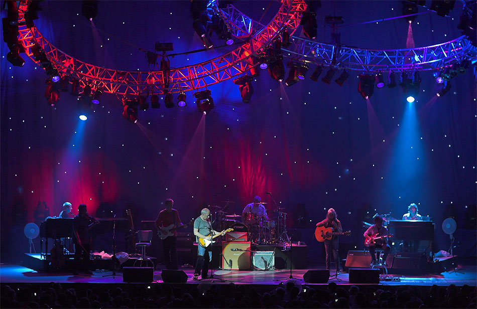 Mark Knopfler & Emmylou Harris image 09 on stage
