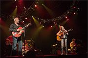 Mark Knopfler & Emmylou Harris on stage
