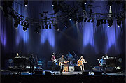 Mark Knopfler & Emmylou Harris distance stage shot